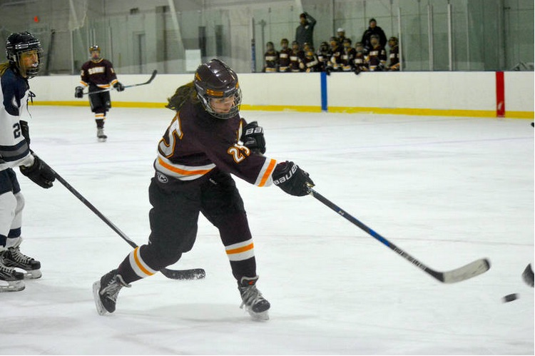 Hats Off To Hannigan As Summit H S Girls Ice Hockey Tops Pingry 5